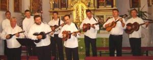 Tamburasi u crkvi